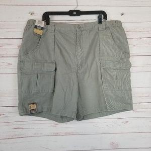 NWT Savane Men's 44 Grey Khaki Cargo Hiking Shorts